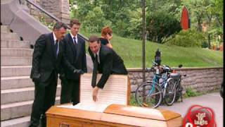 Dead man opens coffin prank